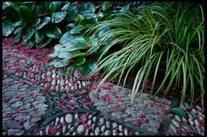 мощеные садовые дорожки