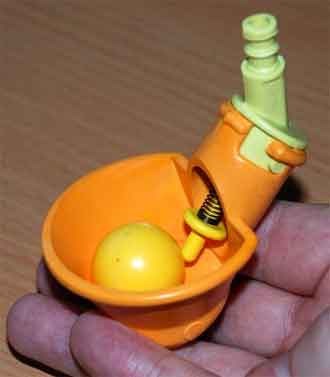 Поилка для перепелов чашечного типа