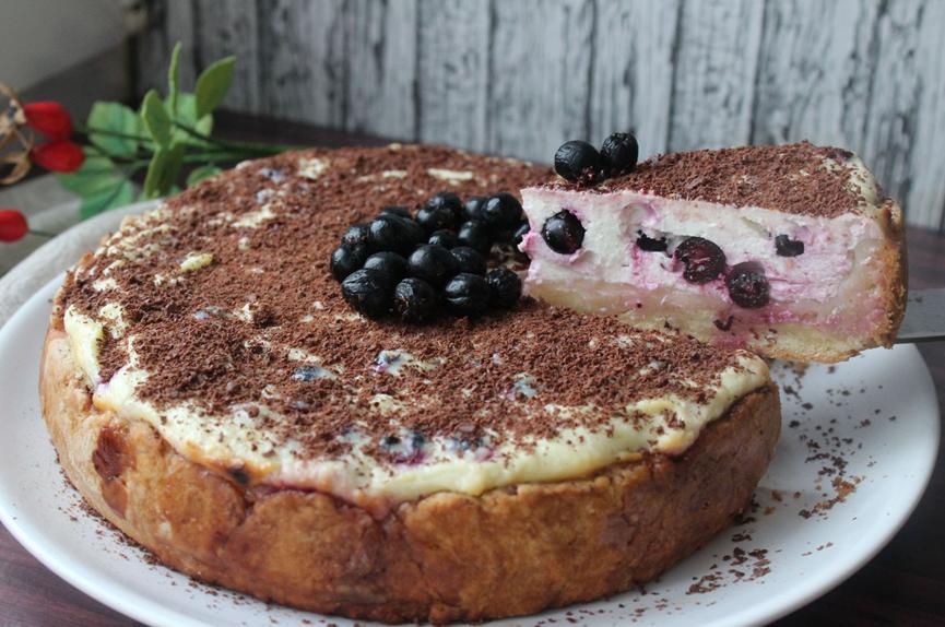 Пирог с черноплодной рябиной