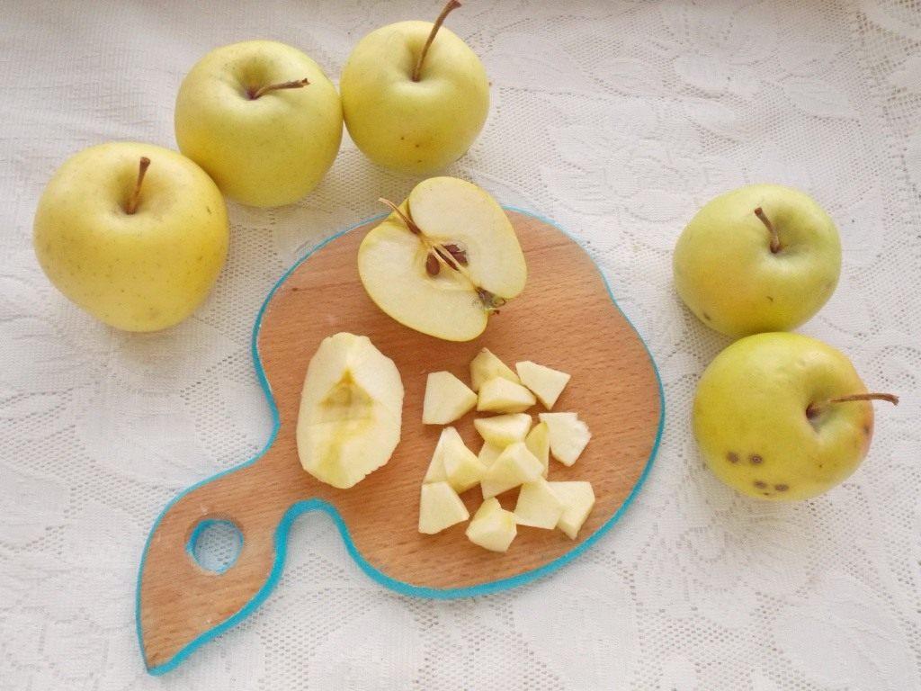 Плоды хорошо вымойте, просушите бумажными салфетками или полотенцами